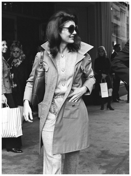 Photo Ron Galella Jackie Onassis Sighting at Bonwit Teller in New York City - September 1, 1970
