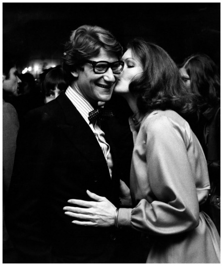 Photo Ron Galella Yves St. Lauren and Lois Chiles attend Yves Saint Laurent Haute Couture Collection Fashion Show on November 5, 1974 at the Pierre Hotel in New York City