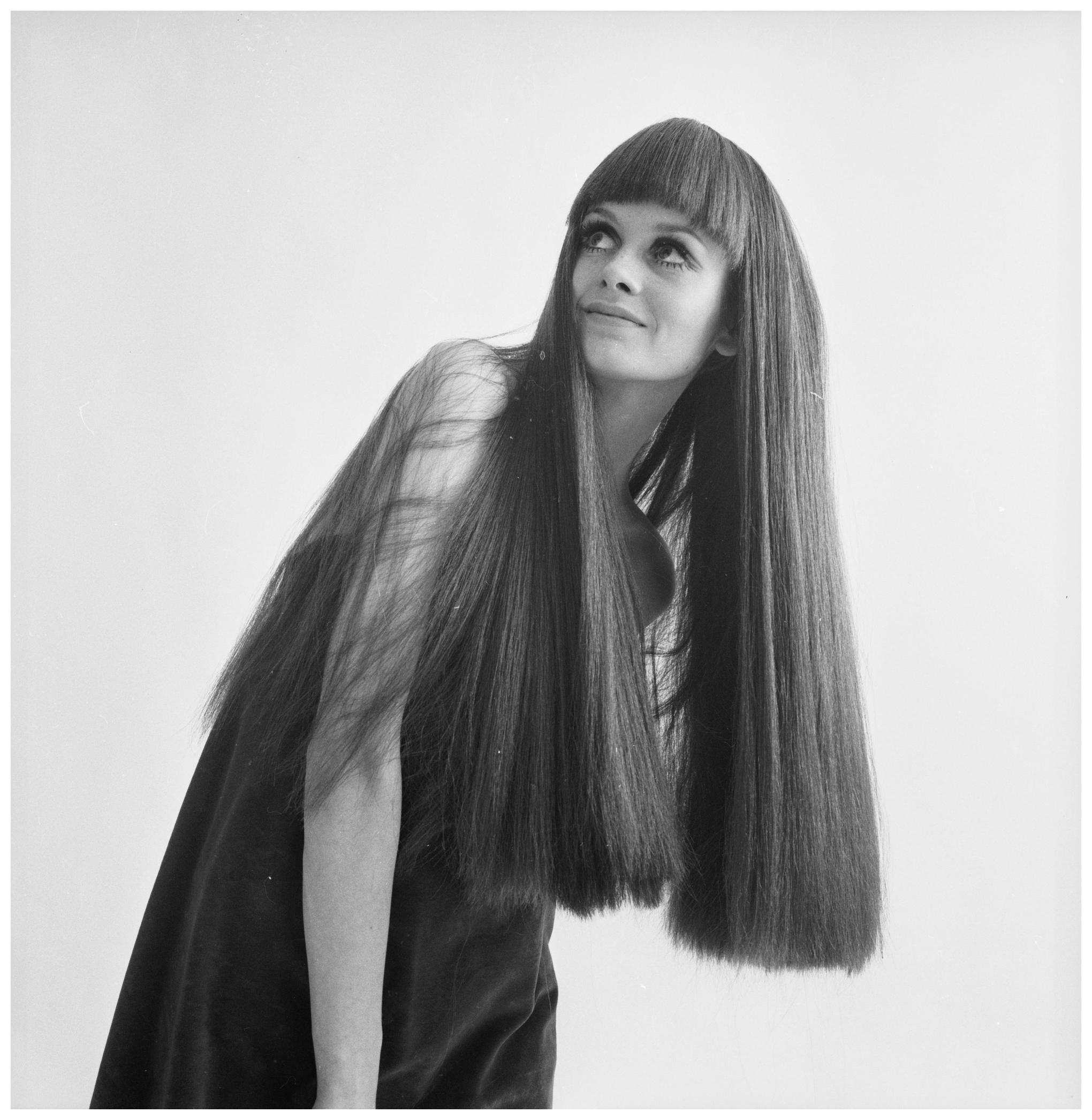 Twiggy 1967 Pleasurephoto Room