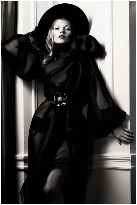 Kate Moss Photo  Lachlan Bailey 2007 b