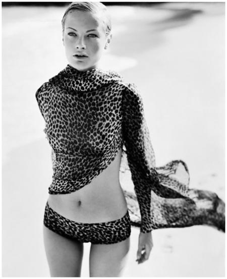 Carolyn Murphy 1996 Vogue Photo Mario Testino
