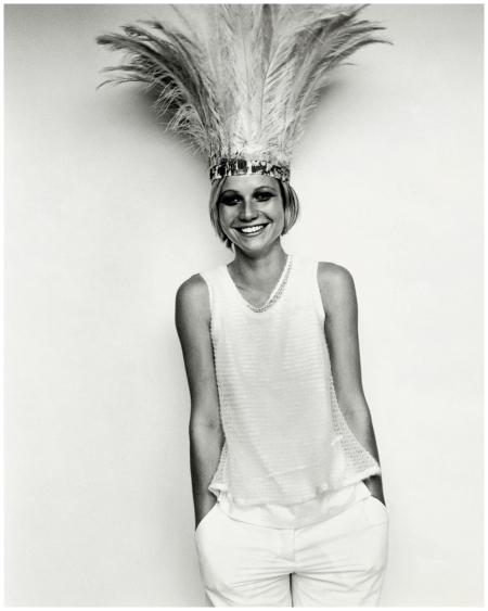 Gwyneth Paltrow 1998 Vogue Photo Mario Testino