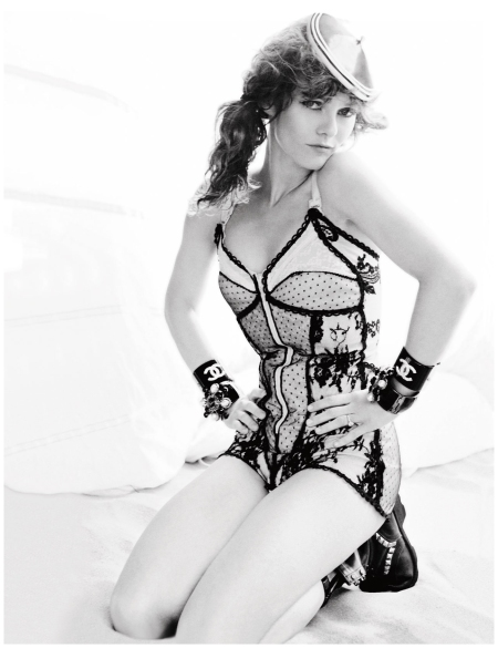 Vanessa Paradis Vogue May 2011 Photo Mario Testino_b