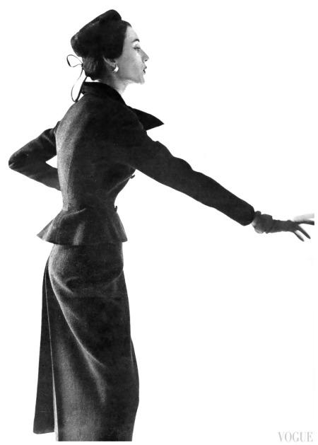 Dovima Irving Penn, Vogue, September 1, 1949 Dovima