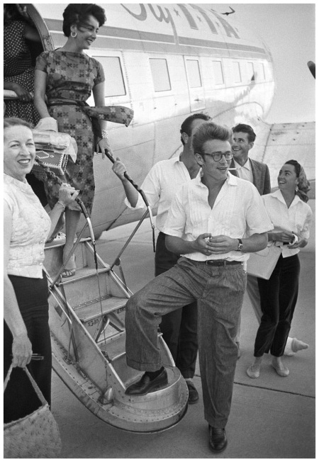 James Dean and Elizabeth Taylor board the plane to Texas, photographed by Richard Miller, 1955, (LIFE)
