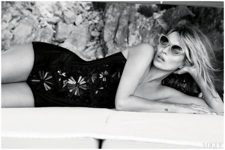 Kate Moss - Vogue - 2013 Photo Patrick Demarchelier_c