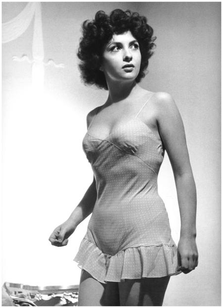 Philippe Halsman - Italian actress Gina Lollobrigida, 1951
