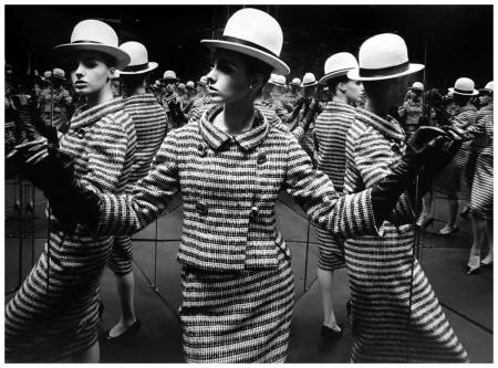 Antonia Mirrors, Paris 1962 William Klein