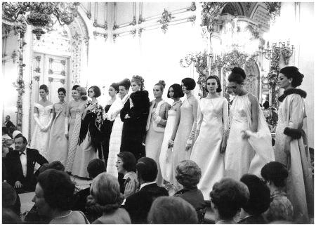 Catwalk show at Palazzo Pitti's Sala Bianca, Firenze, 1964, Archivio Veneziani