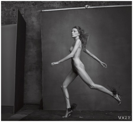 Daria Werbowy, photographed by Annie Leibovitz, Vogue, April 2010