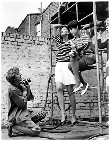 David Hemmings, Ann Norman e Peggy Moffitt in una scena del film Blow up, 1966 © Everett