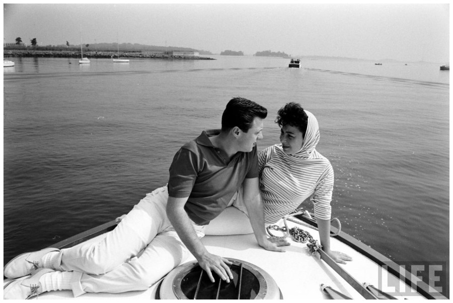 https://pleasurephotoroom.files.wordpress.com/2014/02/eydie-gorme-and-steve-lawrence-photo-alfred-eisenstaed.jpeg