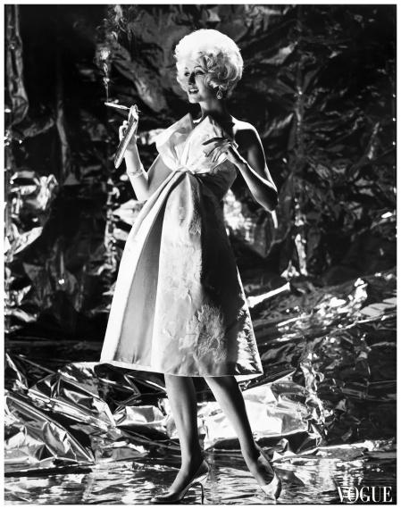 Nina de Voe, Gold and silver return for evening, Vogue, November, 1958
