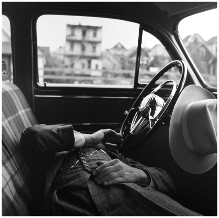 Vivian Maier NYC 1949 - Maloof Collection:Courtesy Howard Greenberg Gallery d