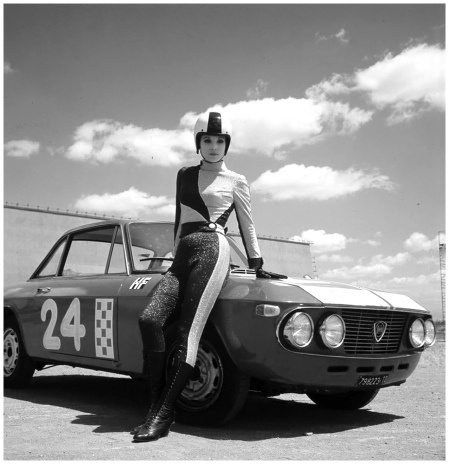Elsa Martinelli HF sul set di%22Come imparai ad amare le donne%22(Luciano Salce, 1967) Photo Angelo Frantoni