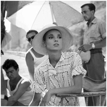 Elsa Martinelli sul set di %22La notte brava%22 (Mauro Bolognini, 1959) b