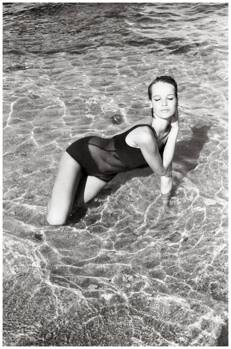 Veruschka - Photo Johnny Moncada Mid 60s a