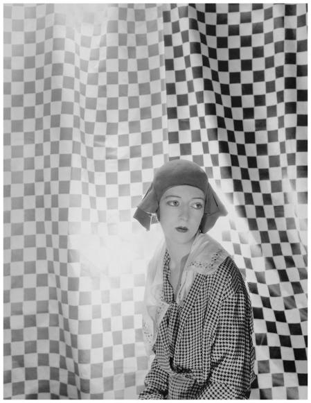 Charles James - vogue - Photo Cecil Beaton, Vogue, May 10, 1930 b