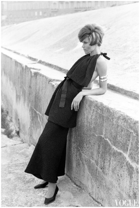 Veruschka Von Lehndorff - Vogue 1962 - 64 Photo Johnny Moncada Archive-c