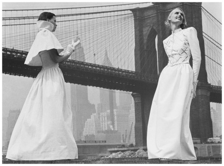 Models Rone Compton and Lili Carlson, New York 1946 Photo Hermann Landshoff