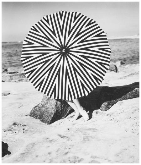 The striped parasol, Model January Rylander, 1957 Photo Hermann Landshoff