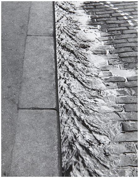Sidewalk, Paris, 1929 Andre Kertesz