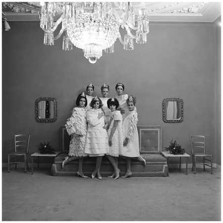 1963 models in the salon of fashion designer Dick Holthaus Photo Paul Huf