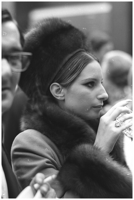 Barbra Streisand, 1969 Photo Ron Galella