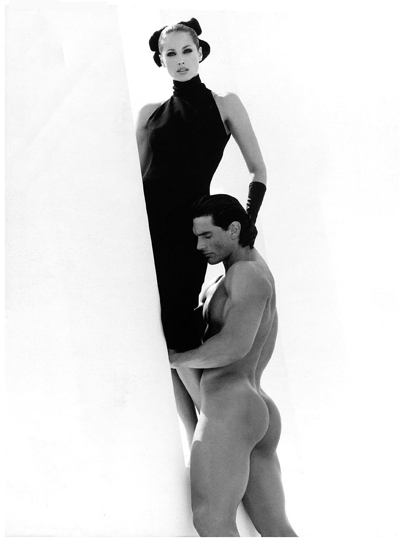 https://pleasurephotoroom.files.wordpress.com/2014/08/christy-turlington-italian-vogue-september-1995-valentino-ads-photo-herb-ritts.jpg