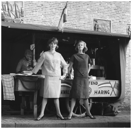Fashion Reportage, models (right Rita Loonen) for herring Photo Ed Suister