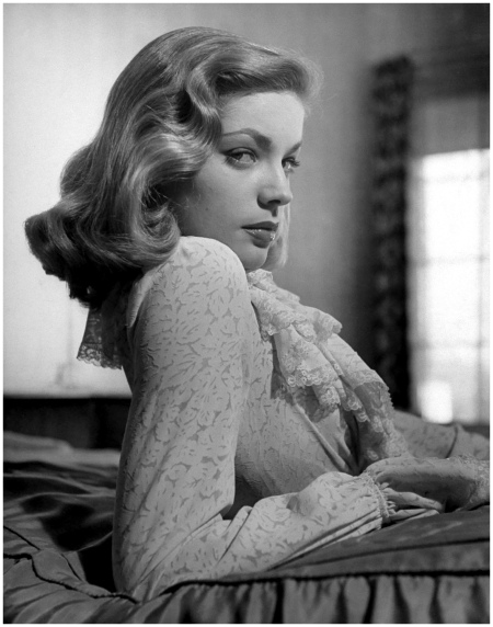 Lauren Bacall 1945 Sunset Boulevard:Corbis