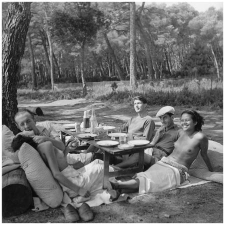 Lee Miller : Nusch, Paul Eluard, Roland Penrose, Man Ray, Ady Fidelin. 1937