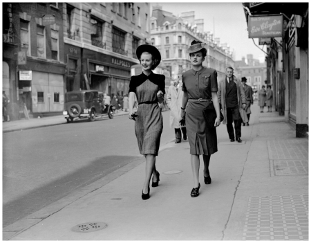 Norman Hartnell 1942 Model Wear the first collection
