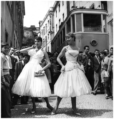 Two models in dresses designed by Jole Veneziani, 1956, Courtesy The Art Archive, Mondadori Portfolio, Electa