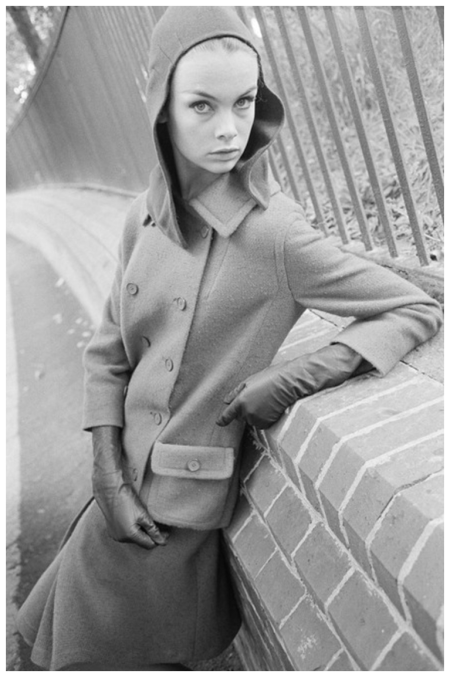 English fashion model Jean Shrimpton leans against a wall in London's Primrose Hill, 1960 Photo Brian Duffy