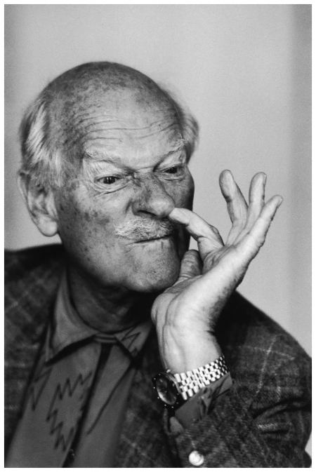 English portrait and fashion photographer Norman Parkinson (1913 - 1990) picks his nose ostentatiously, circa 1985. (Photo by Jill Kennington:Hulton Archive:Getty Images