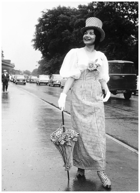 Frances Lyndon Smith in checked dress at Royal Ascot 1963