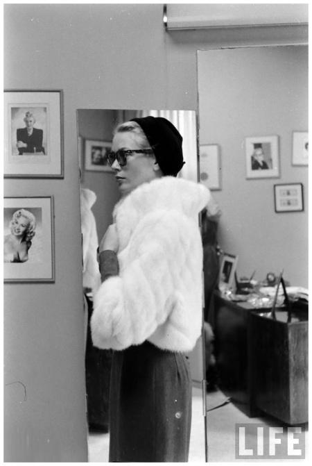 Grace Kelly March 1956. Photo Lisa Larsen b