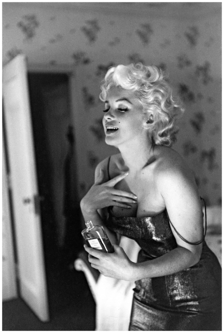 Monroe_Marilyn_158_C_c_MOA_NYC_March_1955.jpg