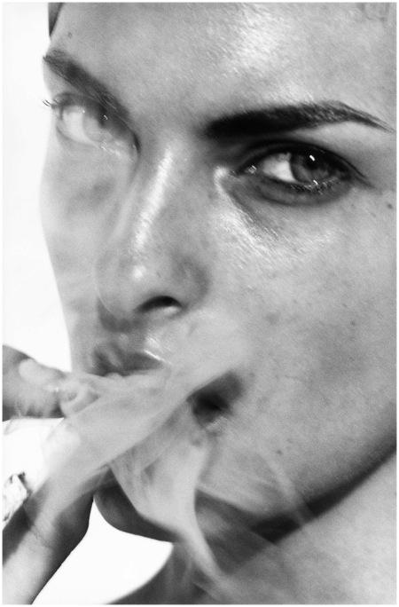 Linda Evangelista, Paris, France, 1990 bPhoto Peter Lindbergh