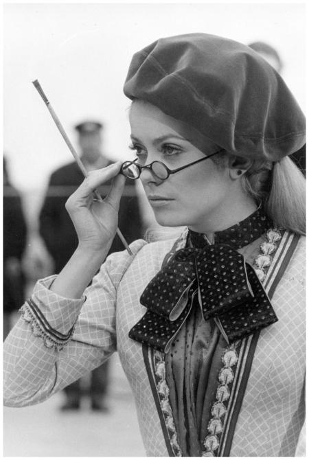 Negli anni '70 l'attrice francese Catherine Deneuve è protagonista di una serie di spot televisivi diretti da Helmut Newton Nel marzo del 1968, durante le riprese di %22Mayerling%22 di Venezia