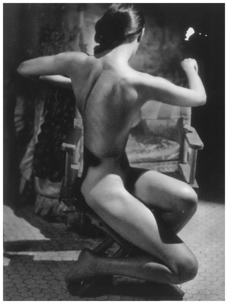 Evelyn Frey from 100 study of the figure 1951 - Photo John Rawlings