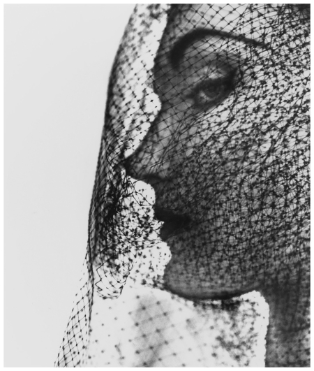 Irving Penn Velied face Evelyn Tripp