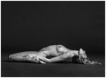 Martha Hunt Nude Reclined 2014 Photo Russell James
