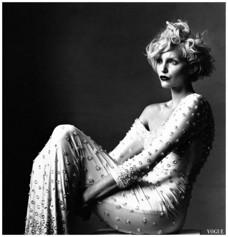 Nadja Auermann, Vogue, March 1995 Photo  Irving Penn