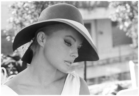 Virna Lisi, reportage sul set di %22Oggi, domani, dopodomani%22 (Eduardo De Filippo, 1965) 1965