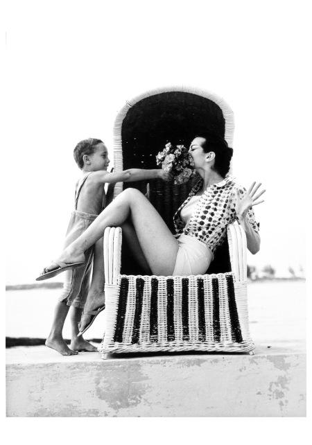 Carmen Dell´Orefice Photo Norman Parkinson Bahamas, 1959