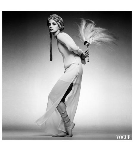 Donna Mitchell, Paris Collections Vogue, 1975 - Photo Clive Arrowsmith