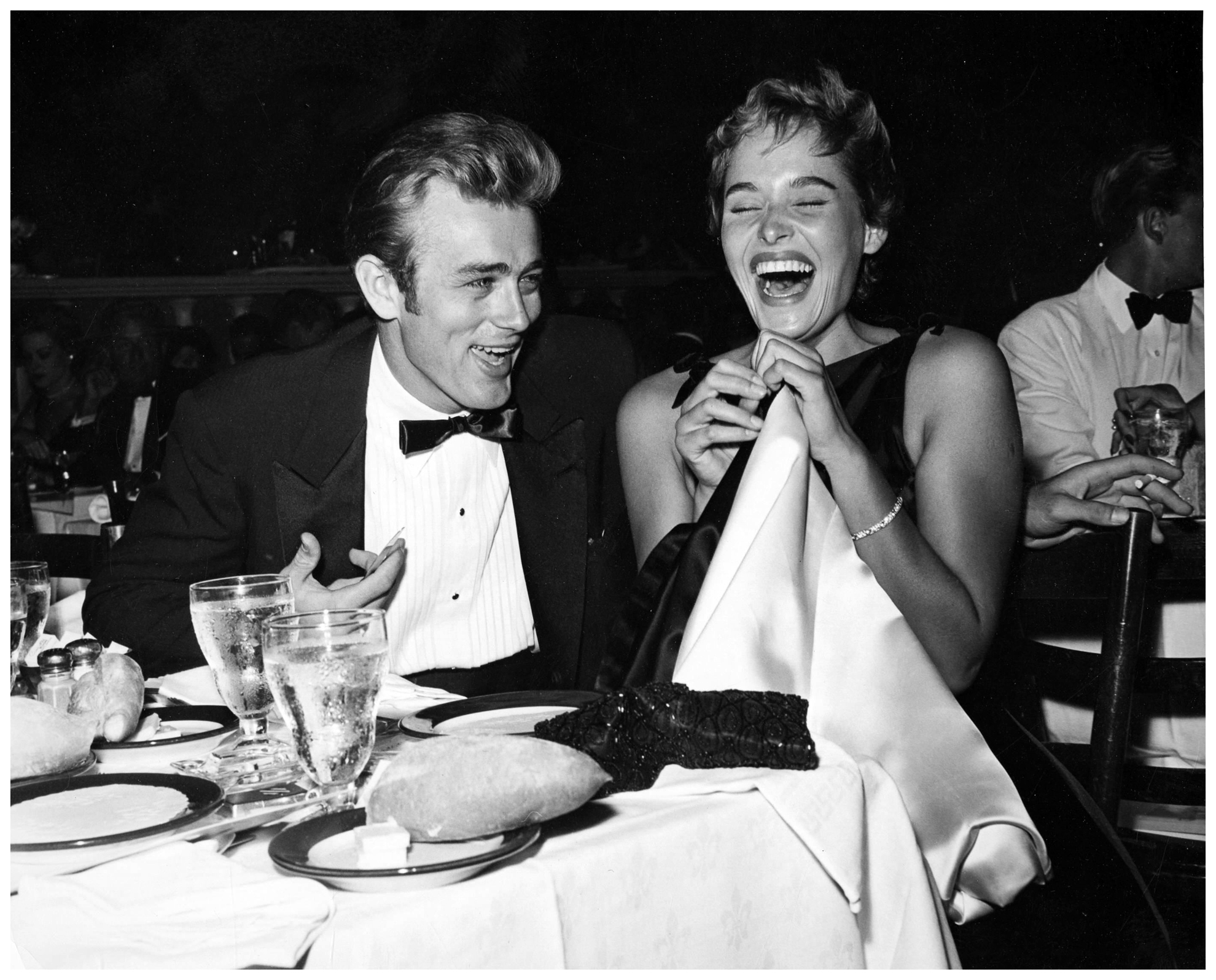 e496bc8621f14e James Dean and Ursula Andress 1955