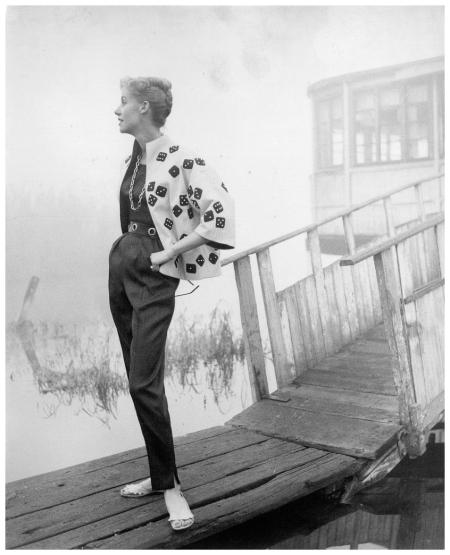 Madame am Strand 1954